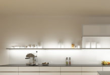 Gera under-cabinet light