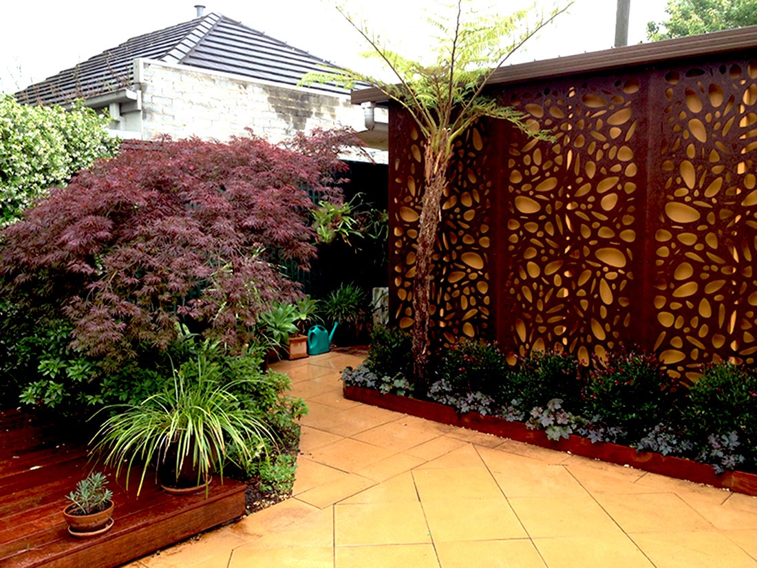 Amber decorative screens the kitchen and bathroom blog for Outdoor decorative screens