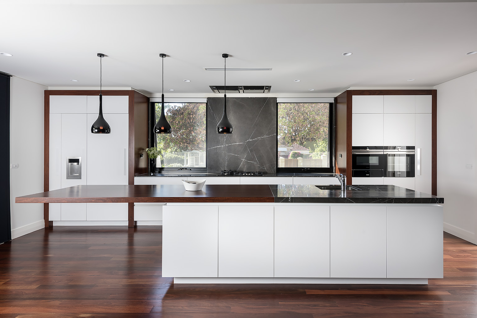 Kbdi 2016 design awards national winners the kitchen for Milano design award 2016