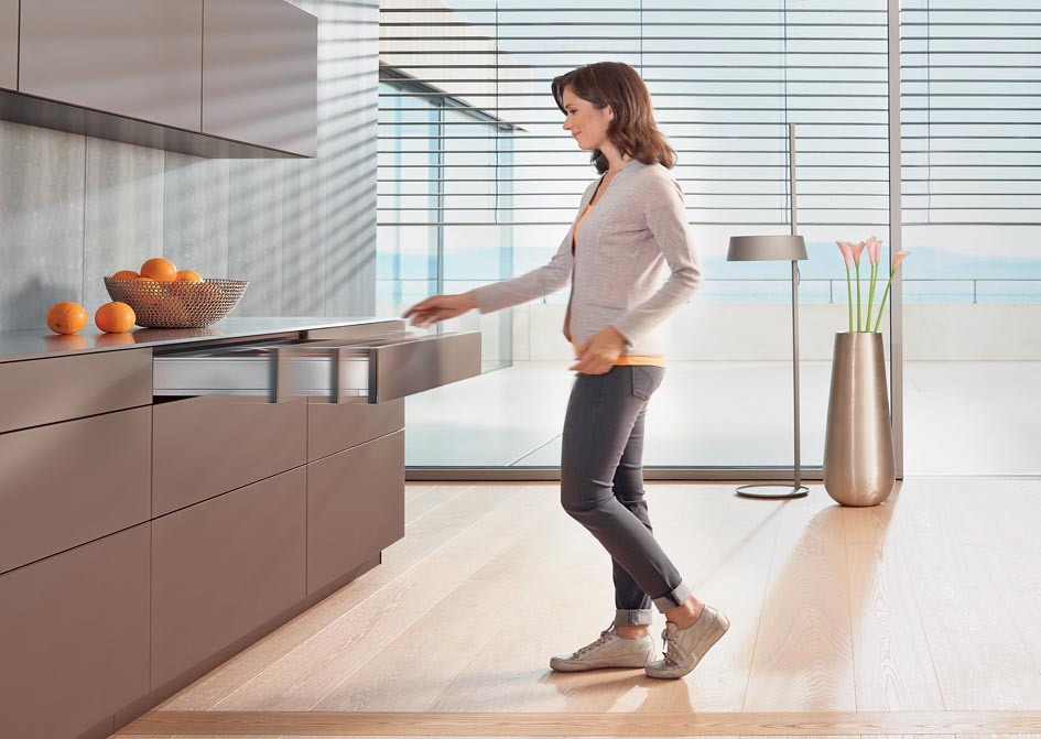 Blum's new Tip-On Blumotion - The Kitchen and Bathroom Blog