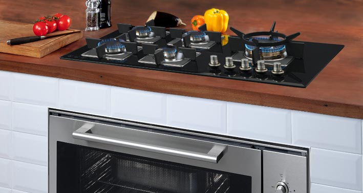 ILVE black glass cooktop